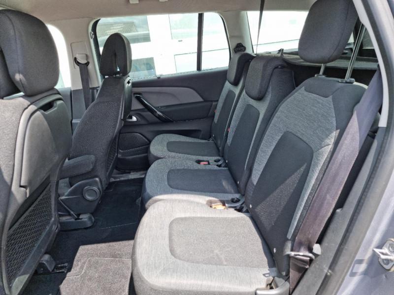 Photo 6 de l'offre de CITROEN GRAND C4 PICASSO BLUEHDI 120CH FEEL S&S à 12990€ chez Sevestre Automobiles