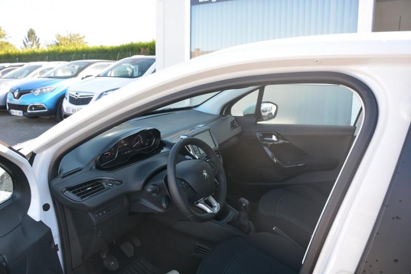Photo 5 de l'offre de PEUGEOT 208 1.2 PURETECH 68CH ACTIVE 5P à 9190€ chez Sevestre Automobiles