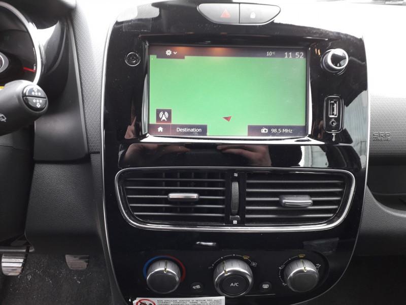 Photo 8 de l'offre de RENAULT CLIO IV ESTATE 1.5 DCI 90CH ENERGY ZEN 82G à 10290€ chez Sevestre Automobiles