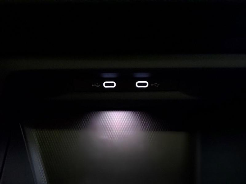 Photo 15 de l'offre de VOLKSWAGEN GOLF VIII 2.0 TDI SCR 150CH  R-LINE 1ST DSG7 à 33495€ chez NG AUTO