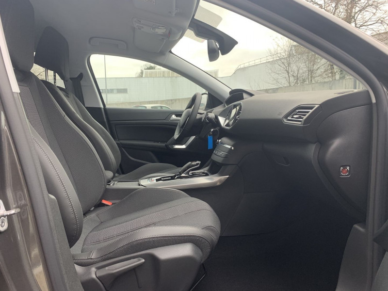 Photo 17 de l'offre de PEUGEOT 308 BlueHDi 130ch S&S EAT8 Allure à 22980€ chez NG AUTO