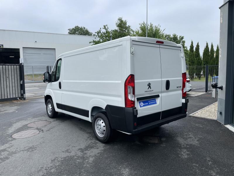 Photo 4 de l'offre de PEUGEOT BOXER FOURGON TOLE 330 L1H1 BLUEHDI 140 S&S PREMIUM à 26376€ chez NG AUTO