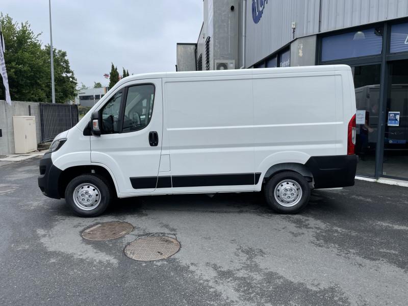 Photo 3 de l'offre de PEUGEOT BOXER FOURGON TOLE 330 L1H1 BLUEHDI 140 S&S PREMIUM à 26376€ chez NG AUTO