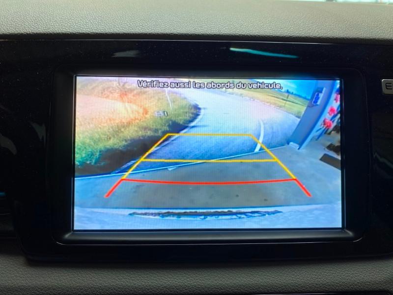 Photo 11 de l'offre de KIA Niro 1.6 GDi 105ch ISG + Plug-In 60.5ch Premium DCT6 Euro6d-T à 26490€ chez Littoral Vendée Automobiles Challans