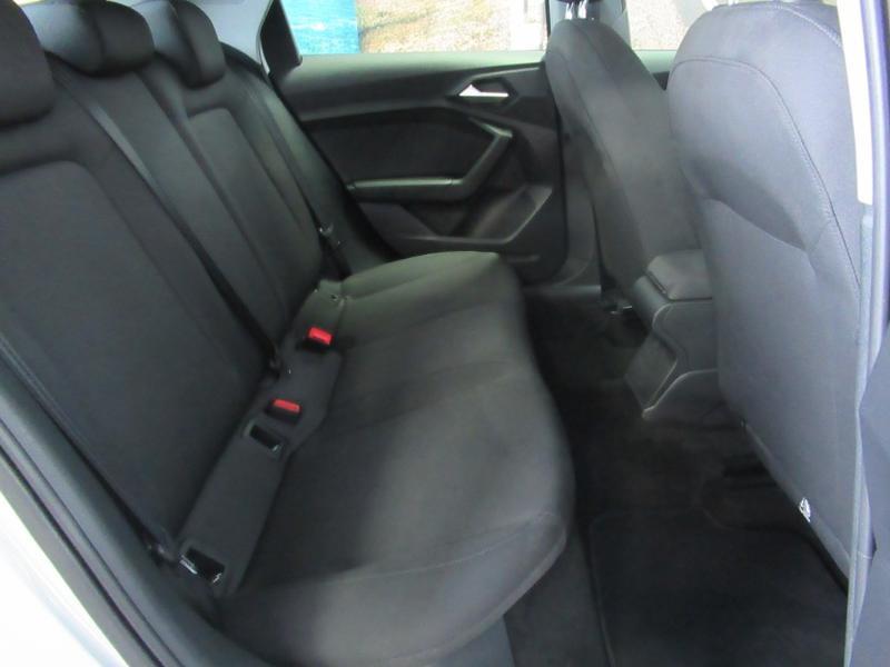 Photo 3 de l'offre de AUDI A1 Sportback 25 TFSI 95ch S line à 21990€ chez Littoral Vendée Automobiles Challans