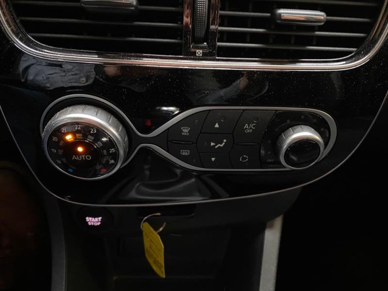 Photo 9 de l'offre de RENAULT Clio Estate 1.5 dCi 90ch energy Business 82g à 9990€ chez Littoral Vendée Automobiles Challans