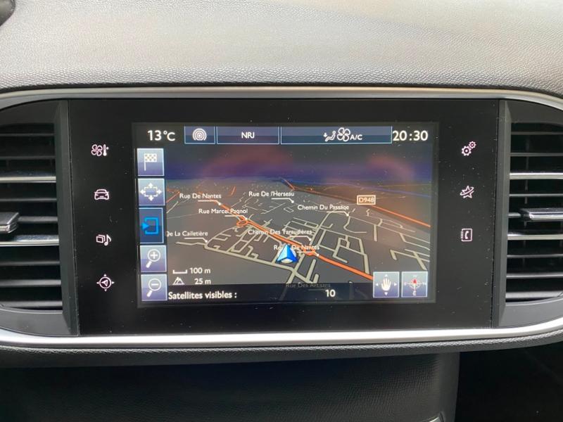 Photo 8 de l'offre de PEUGEOT 308 SW 1.6 BlueHDi 120ch Allure S&S EAT6 à 15490€ chez Littoral Vendée Automobiles Challans