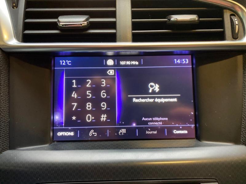 Photo 9 de l'offre de DS DS 4 BlueHDi 120ch So Chic S&S EAT6 à 12490€ chez Littoral Vendée Automobiles Challans