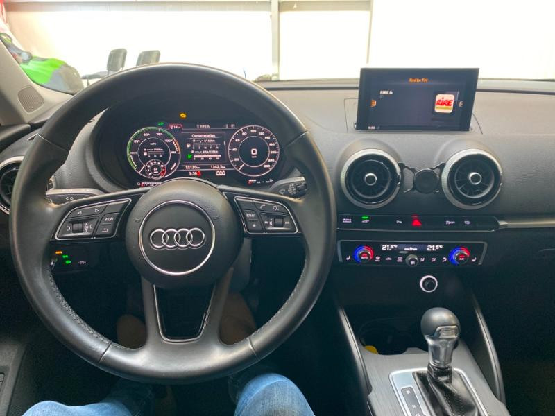 Photo 7 de l'offre de AUDI A3 Sportback 1.4 TFSI 204ch e-tron Design luxe S tronic 6 à 24990€ chez Littoral Vendée Automobiles Challans
