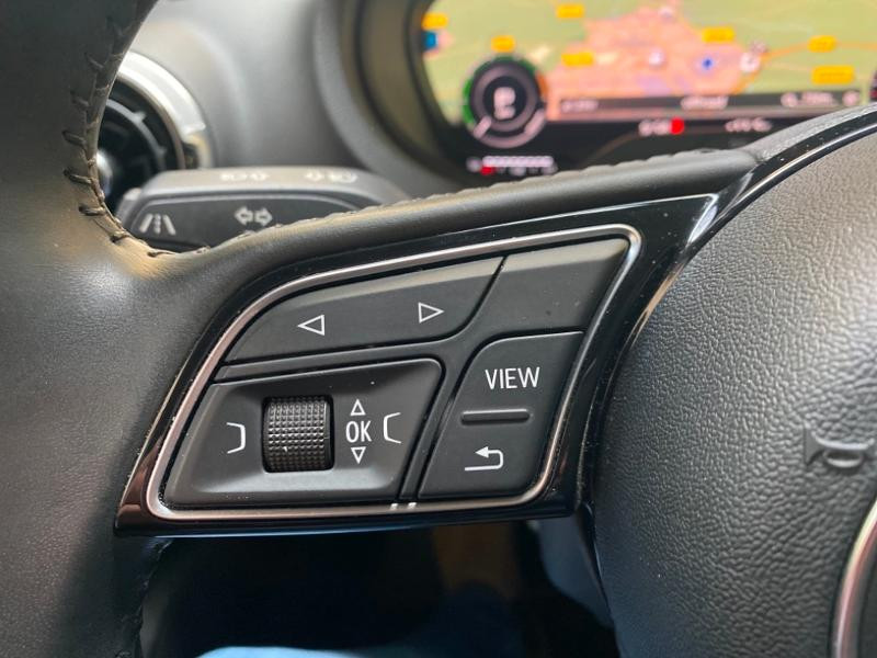 Photo 13 de l'offre de AUDI A3 Sportback 1.4 TFSI 204ch e-tron Design luxe S tronic 6 à 24990€ chez Littoral Vendée Automobiles Challans