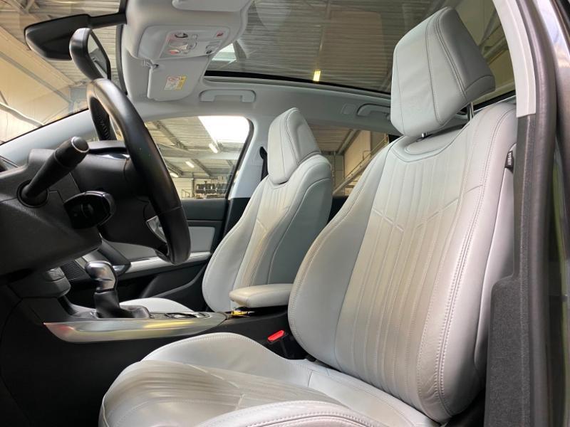 Photo 3 de l'offre de PEUGEOT 308 SW 1.6 BlueHDi 120ch Allure S&S EAT6 à 15490€ chez Littoral Vendée Automobiles Challans