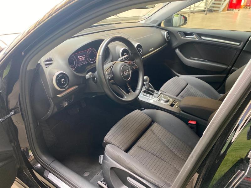 Photo 3 de l'offre de AUDI A3 Sportback 1.4 TFSI 204ch e-tron Design luxe S tronic 6 à 24990€ chez Littoral Vendée Automobiles Challans