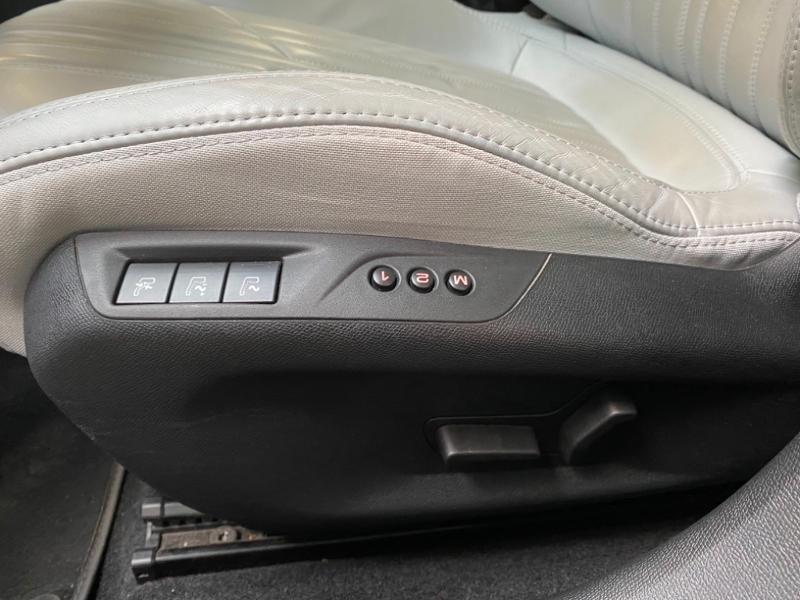 Photo 21 de l'offre de PEUGEOT 308 SW 1.6 BlueHDi 120ch Allure S&S EAT6 à 15490€ chez Littoral Vendée Automobiles Challans