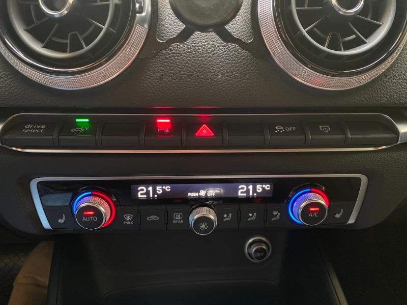 Photo 11 de l'offre de AUDI A3 Sportback 1.4 TFSI 204ch e-tron Design luxe S tronic 6 à 24990€ chez Littoral Vendée Automobiles Challans