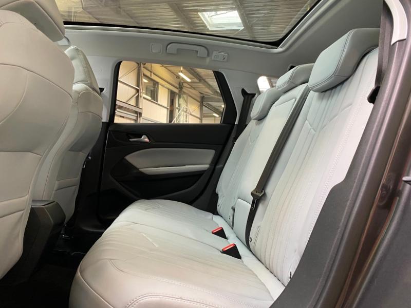 Photo 4 de l'offre de PEUGEOT 308 SW 1.6 BlueHDi 120ch Allure S&S EAT6 à 15490€ chez Littoral Vendée Automobiles Challans