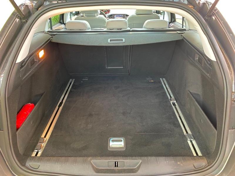 Photo 6 de l'offre de PEUGEOT 308 SW 1.6 BlueHDi 120ch Allure S&S EAT6 à 15490€ chez Littoral Vendée Automobiles Challans