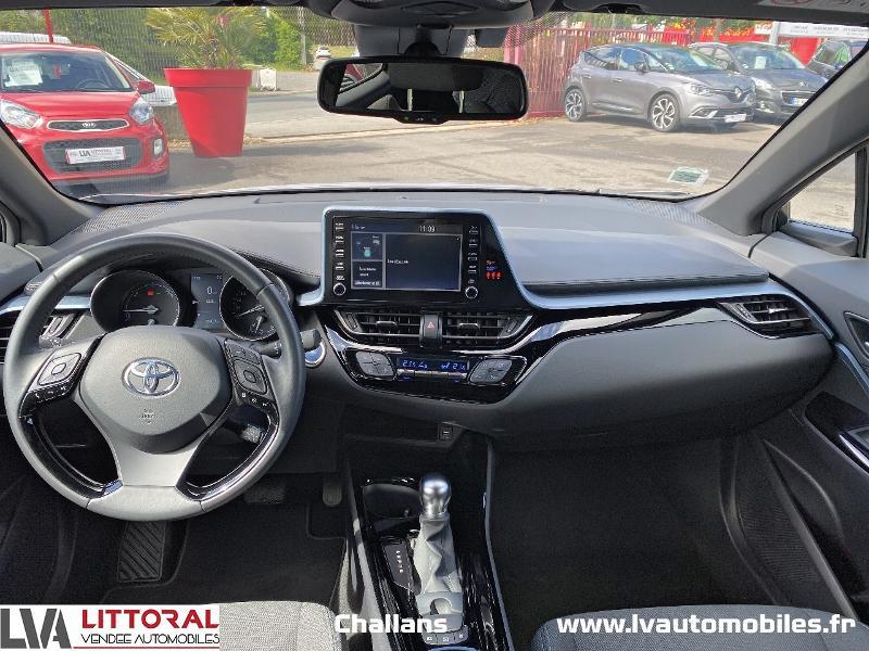 Photo 11 de l'offre de TOYOTA C-HR 122h Edition 2WD E-CVT MC19 à 24990€ chez Littoral Vendée Automobiles Challans