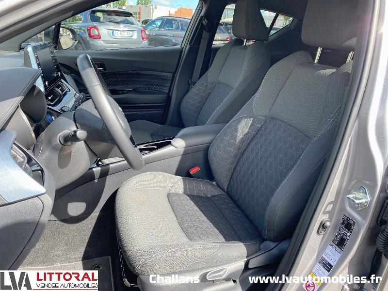 Photo 5 de l'offre de TOYOTA C-HR 122h Edition 2WD E-CVT MC19 à 24990€ chez Littoral Vendée Automobiles Challans