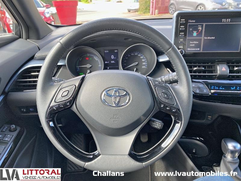 Photo 10 de l'offre de TOYOTA C-HR 122h Edition 2WD E-CVT MC19 à 24990€ chez Littoral Vendée Automobiles Challans