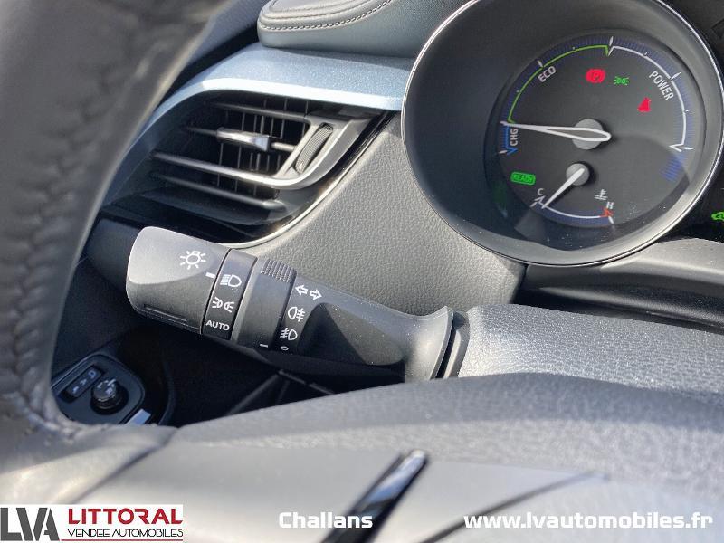 Photo 18 de l'offre de TOYOTA C-HR 122h Edition 2WD E-CVT MC19 à 24990€ chez Littoral Vendée Automobiles Challans