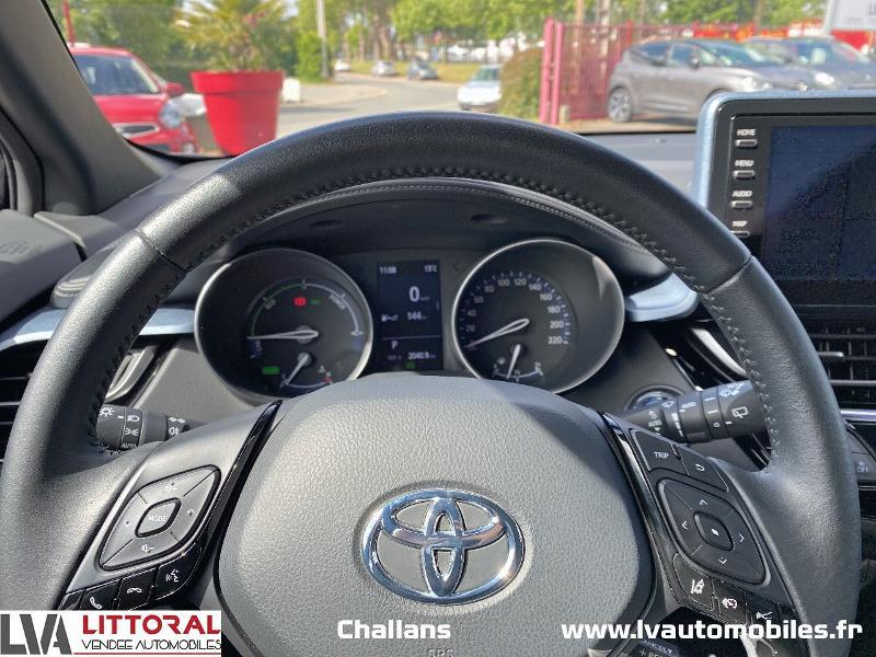 Photo 6 de l'offre de TOYOTA C-HR 122h Edition 2WD E-CVT MC19 à 24990€ chez Littoral Vendée Automobiles Challans