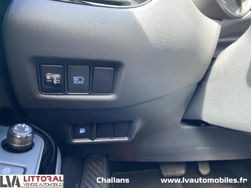 Photo 16 de l'offre de TOYOTA C-HR 122h Edition 2WD E-CVT MC19 à 24990€ chez Littoral Vendée Automobiles Challans