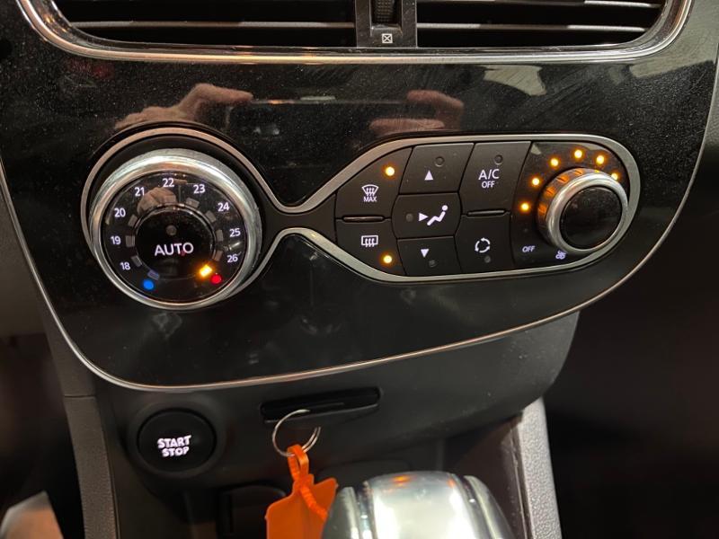 Photo 10 de l'offre de RENAULT Clio Estate 1.5 dCi 90ch energy Business EDC à 10490€ chez Littoral Vendée Automobiles Challans