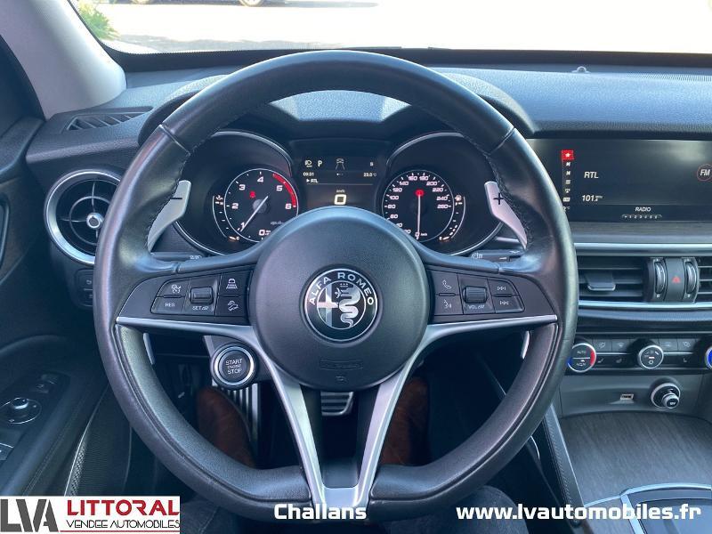Photo 6 de l'offre de ALFA ROMEO Stelvio 2.2 Diesel 210ch Lusso Q4 AT8 à 31990€ chez Littoral Vendée Automobiles Challans