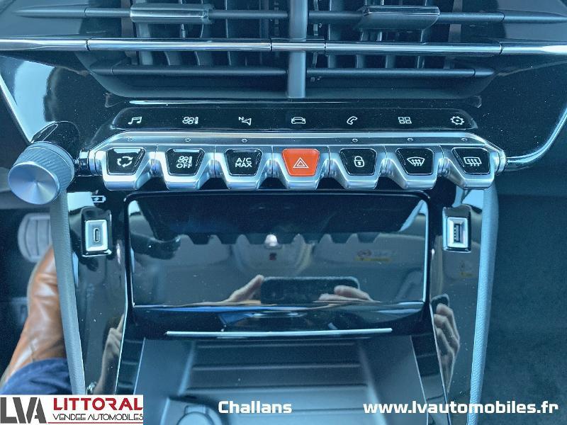 Photo 17 de l'offre de PEUGEOT 2008 1.5 BlueHDi 130ch S&S Allure Pack EAT8 à 28990€ chez Littoral Vendée Automobiles Challans