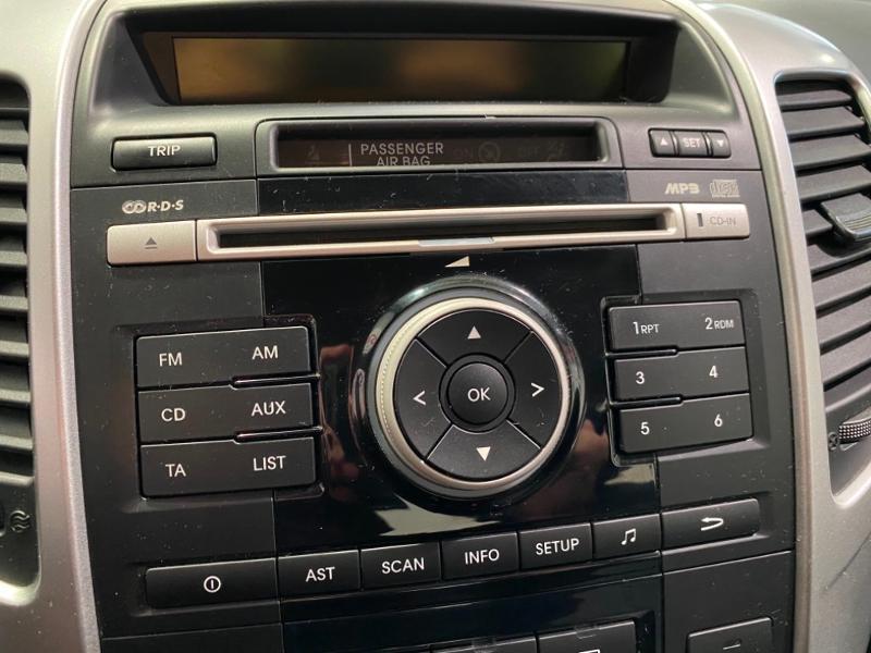 Photo 6 de l'offre de KIA Venga 1.4 CRDi 90ch FAP Style à 6990€ chez Littoral Vendée Automobiles Mouilleron Le Captif