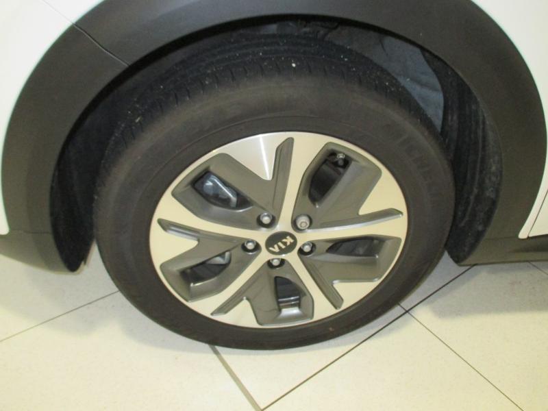 Photo 4 de l'offre de KIA e-Niro e-Design 204ch à 29990€ chez Littoral Vendée Automobiles Mouilleron Le Captif