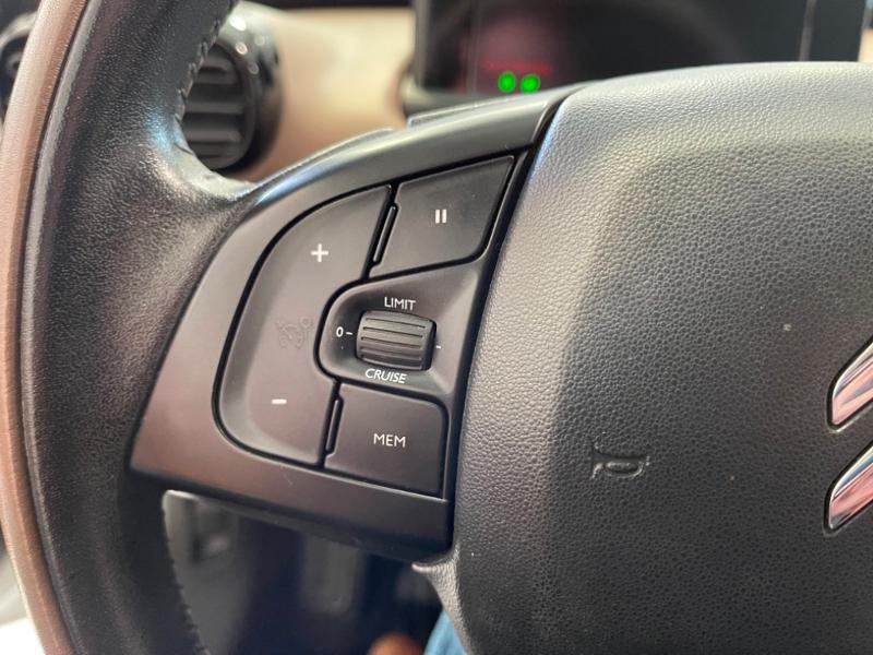 Photo 3 de l'offre de CITROEN C4 Cactus BlueHDi 100 Shine à 9990€ chez Littoral Vendée Automobiles Mouilleron Le Captif