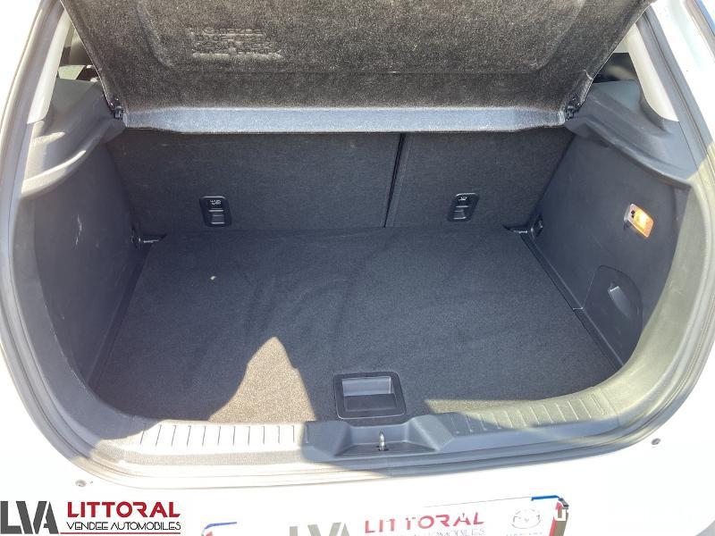 Photo 13 de l'offre de MAZDA CX-3 1.5 SKYACTIV-D 105 Sélection à 14990€ chez Littoral Vendée Automobiles Mouilleron Le Captif