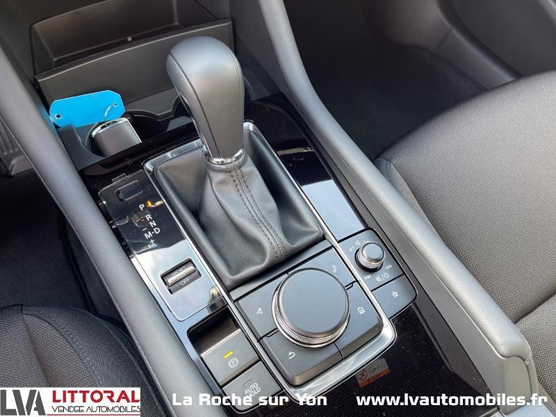 Photo 15 de l'offre de MAZDA Mazda 3 2.0 e-Skyactiv-G M-Hybrid 122ch Sportline BVA à 29990€ chez Littoral Vendée Automobiles Mouilleron Le Captif