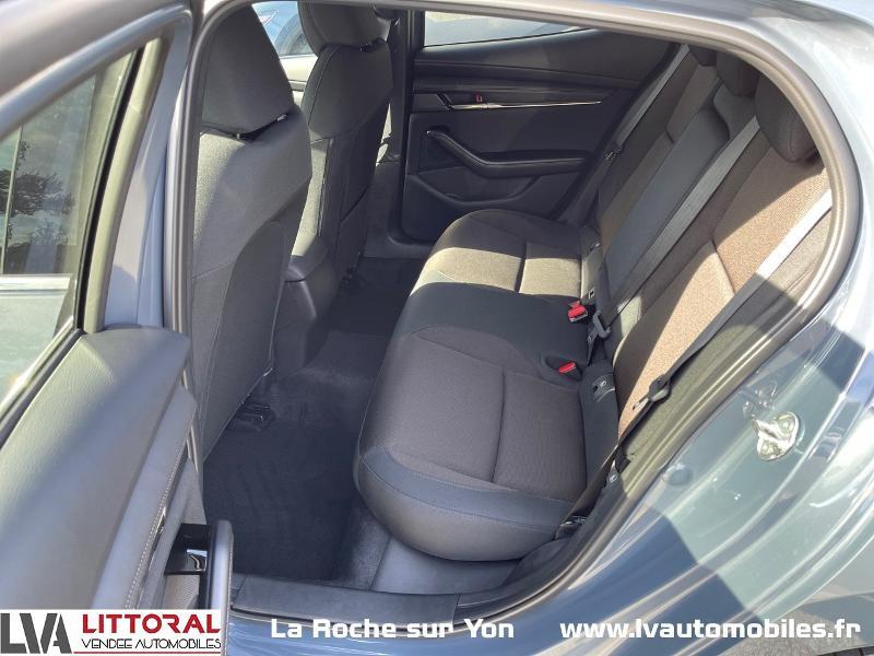 Photo 9 de l'offre de MAZDA Mazda 3 2.0 e-Skyactiv-G M-Hybrid 122ch Sportline BVA à 29990€ chez Littoral Vendée Automobiles Mouilleron Le Captif