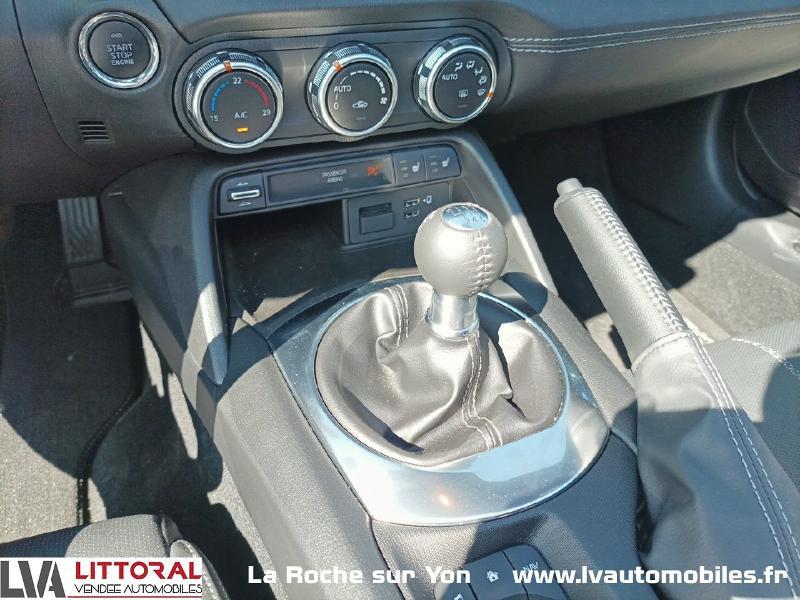 Photo 12 de l'offre de MAZDA MX-5 RF 1.5 SKYACTIV-G 132ch Sélection Euro6d-T Evap 2020 à 33490€ chez Littoral Vendée Automobiles Mouilleron Le Captif