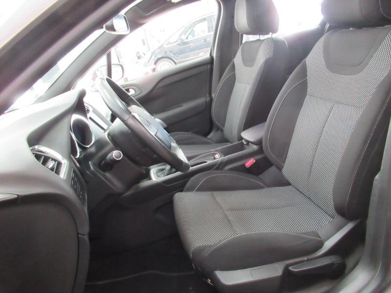 Photo 12 de l'offre de DS DS 4 Crossback PureTech 130 Be Chic S&S à 13490€ chez Littoral Vendée Automobiles Le Château D'Olonne
