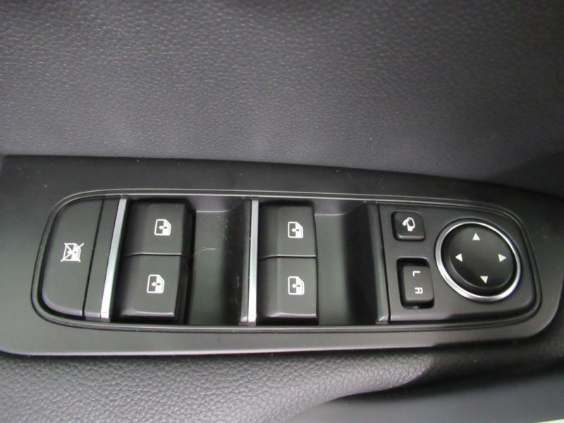 Photo 15 de l'offre de KIA XCeed 1.6 GDi 105ch + Plug-In 60.5ch Premium DCT6 à 34490€ chez Littoral Vendée Automobiles Le Château D'Olonne
