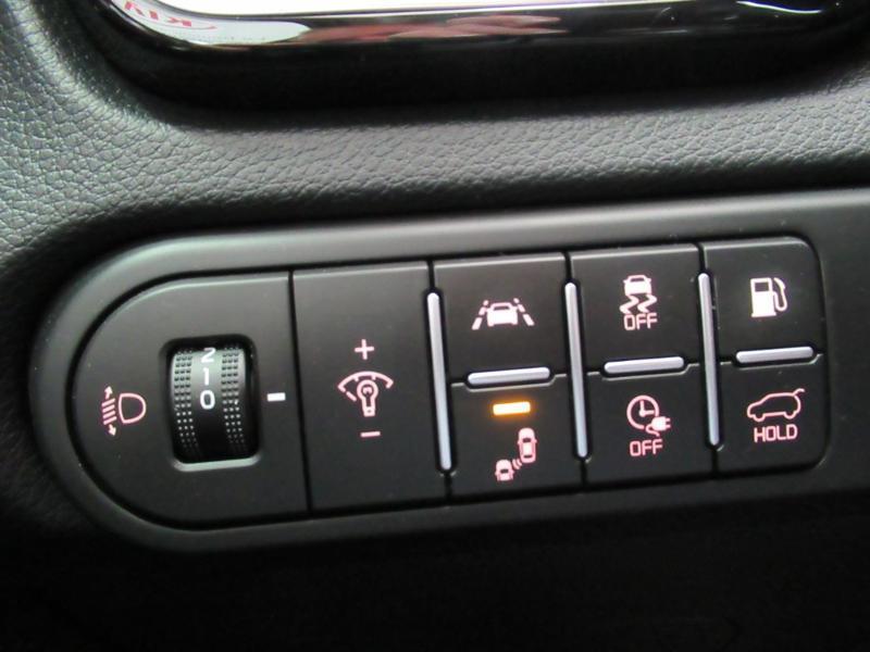 Photo 17 de l'offre de KIA XCeed 1.6 GDi 105ch + Plug-In 60.5ch Premium DCT6 à 34490€ chez Littoral Vendée Automobiles Le Château D'Olonne
