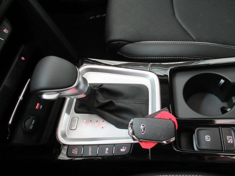Photo 6 de l'offre de KIA XCeed 1.6 GDi 105ch + Plug-In 60.5ch Premium DCT6 à 34490€ chez Littoral Vendée Automobiles Le Château D'Olonne