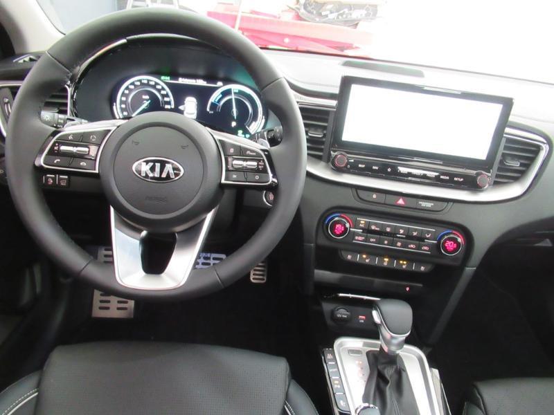Photo 5 de l'offre de KIA XCeed 1.6 GDi 105ch + Plug-In 60.5ch Premium DCT6 à 34490€ chez Littoral Vendée Automobiles Le Château D'Olonne