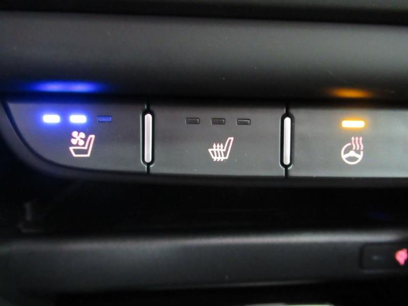 Photo 28 de l'offre de KIA XCeed 1.6 GDi 105ch + Plug-In 60.5ch Premium DCT6 à 34490€ chez Littoral Vendée Automobiles Le Château D'Olonne