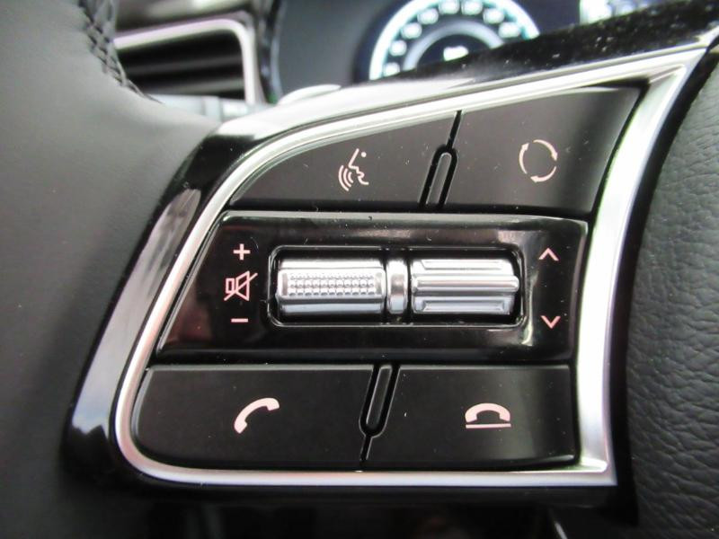 Photo 18 de l'offre de KIA XCeed 1.6 GDi 105ch + Plug-In 60.5ch Premium DCT6 à 34490€ chez Littoral Vendée Automobiles Le Château D'Olonne
