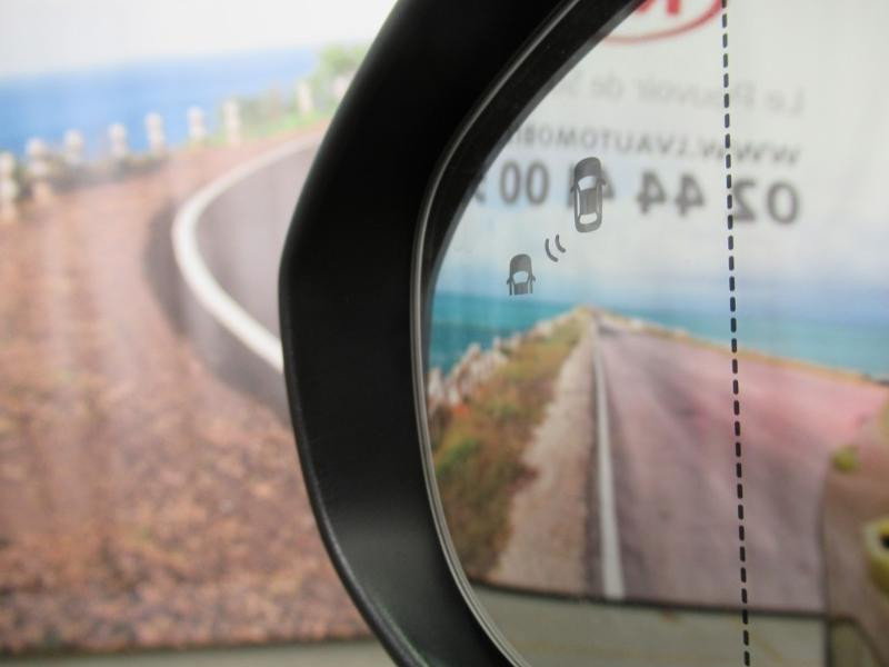 Photo 12 de l'offre de KIA XCeed 1.6 GDi 105ch + Plug-In 60.5ch Premium DCT6 à 34490€ chez Littoral Vendée Automobiles Le Château D'Olonne