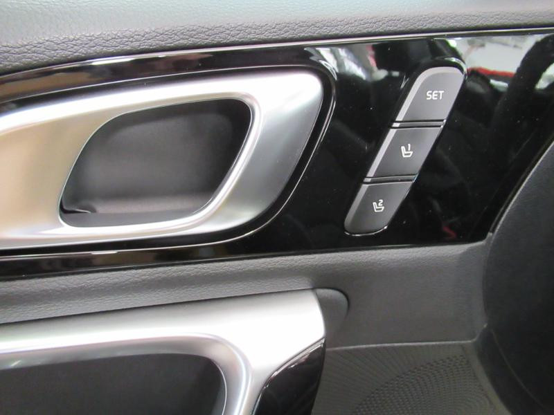 Photo 16 de l'offre de KIA XCeed 1.6 GDi 105ch + Plug-In 60.5ch Premium DCT6 à 34490€ chez Littoral Vendée Automobiles Le Château D'Olonne