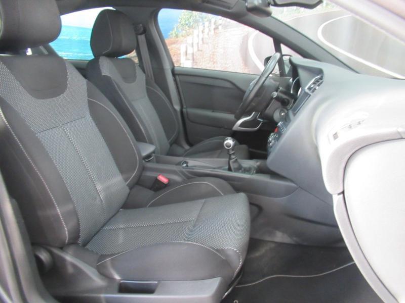 Photo 2 de l'offre de DS DS 4 Crossback PureTech 130 Be Chic S&S à 12990€ chez Littoral Vendée Automobiles Le Château D'Olonne
