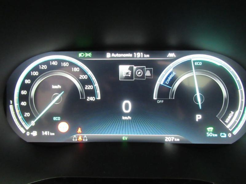 Photo 20 de l'offre de KIA XCeed 1.6 GDi 105ch + Plug-In 60.5ch Premium DCT6 à 34490€ chez Littoral Vendée Automobiles Le Château D'Olonne