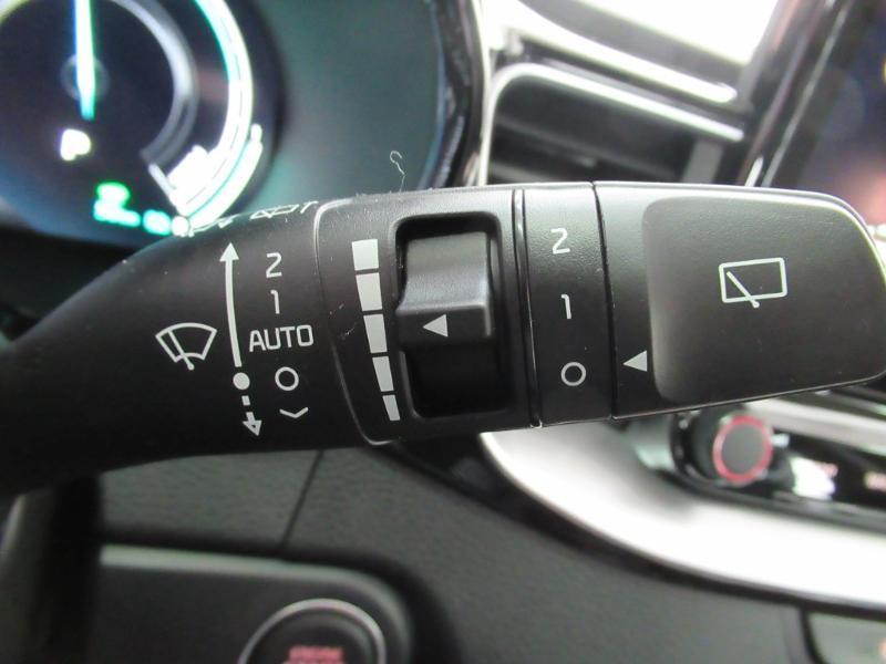 Photo 23 de l'offre de KIA XCeed 1.6 GDi 105ch + Plug-In 60.5ch Premium DCT6 à 34490€ chez Littoral Vendée Automobiles Le Château D'Olonne
