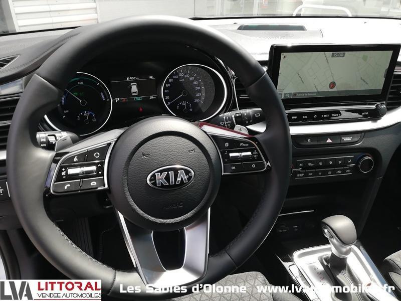 Photo 6 de l'offre de KIA Ceed SW 1.6 GDi 105ch + Plug-In 60.5ch Active DCT6 à 31990€ chez Littoral Vendée Automobiles Le Château D'Olonne