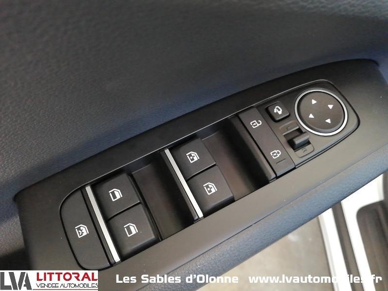Photo 16 de l'offre de KIA e-Soul Design 204ch à 32490€ chez Littoral Vendée Automobiles Le Château D'Olonne